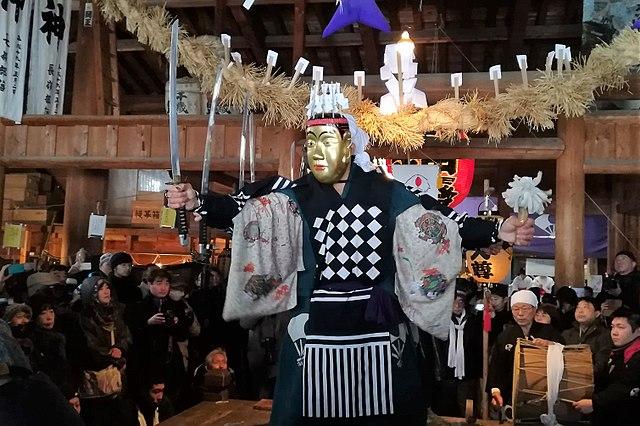 640px-Dainichi-dō_bugaku_godai_sonmai_01